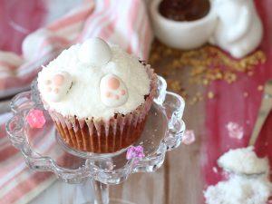 Cupcake al cioccolato e nocciole con coniglietto