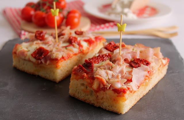 Pizza con Prosciutto Cotto e Pomodori Secchi